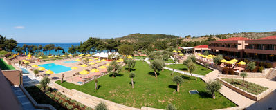 Panorama das piscinas e da praia fotos de stock