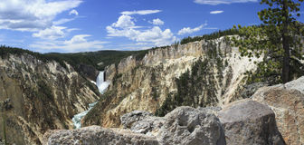 Panorama 3 das quedas de Yellowstone mais baixo Foto de Stock Royalty Free