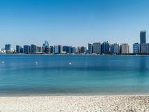 Panorama de Abu Dhabi Imagen de archivo libre de regalías