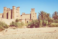Panorama de Ait Ben Haddou Casbah perto da cidade de Ouarzazate em Morocc Foto de Stock Royalty Free
