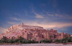 Panorama de Ait Benhaddou Casbah no por do sol perto da cidade de Ouarzazate Imagem de Stock Royalty Free