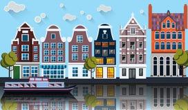 Panorama de Amsterdam Canal, barco, casas Imagen de archivo