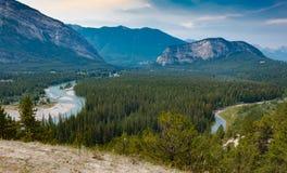 Panorama de Baff em Alberta, Canadá imagens de stock