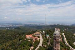 Panorama de Barcelone de bâti Tibidabo Photos libres de droits