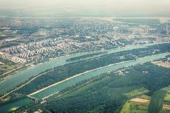 Panorama de Belgrade avec une vue de l'avion Photographie stock libre de droits