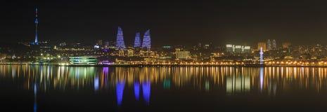 Panorama de boulevard de bord de la mer à Bakou l'azerbaïdjan Photographie stock libre de droits