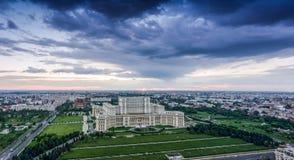 Panorama de Bucarest en el centro de ciudad fotografía de archivo