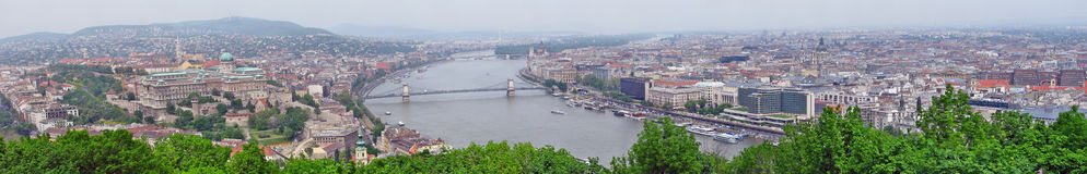 Panorama de Budapest con el río Danubio Imágenes de archivo libres de regalías