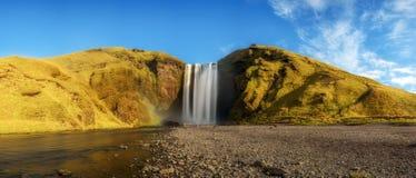 Panorama de cascade de Skogafoss en Islande du sud images stock