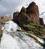 Panorama de cascade de Jermuk sur la rivière d'ARPA, Arménie Photographie stock libre de droits