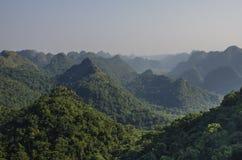 Panorama de Cat Ba National Park Imagens de Stock