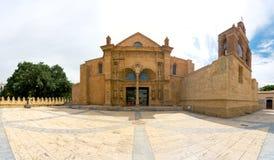Panorama de cathédrale de Santa Maria la Menor dans la zone coloniale de Santo Domingo Photos stock