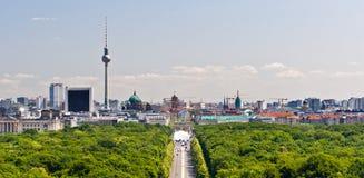 Panorama de centre de la ville de Berlin Photo stock
