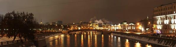Panorama de centre de Moscou (quai de Bolotnaja) Images stock