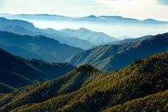 Panorama de chaîne de montagne Photos stock