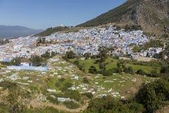 Panorama de Chefchaouen de la colline de la mosquée de Jemaa Bouzafar images libres de droits