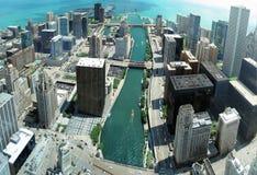 Panorama de Chicago de quatre-vingt-dix-huitième étage sur le fleuve de Chicago Image libre de droits