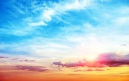 Panorama de ciel d'été de lever de soleil image stock