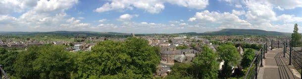 Panorama de Clitheroe e do campo inglês Fotografia de Stock Royalty Free