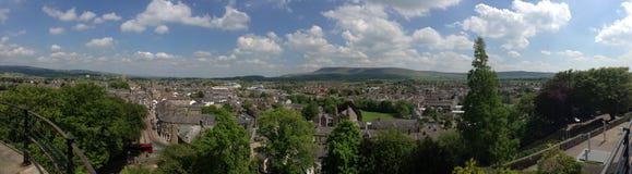 Panorama de Clitheroe e do campo inglês Imagem de Stock