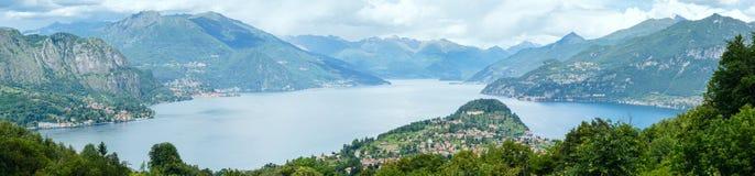 Panorama de Como do lago summer (Itália) Fotografia de Stock Royalty Free