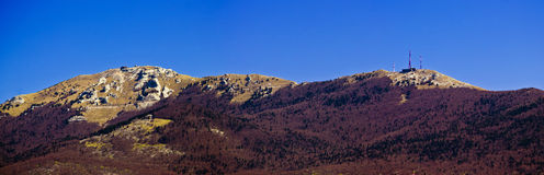 Panorama de crête de montagne de Licka Plesevica Photographie stock