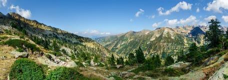Panorama de crêtes de montagne Image stock