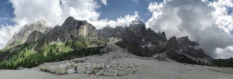 Panorama de Dolomiti Val Venegia photos stock