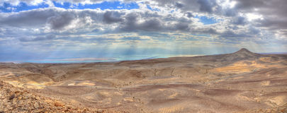 Panorama de désert de Yehuda et de mer morte, Israël Photos libres de droits