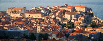Panorama de Dubrovnik au lever de soleil, fond de course Photographie stock