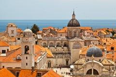 Panorama de Dubrovnik de las paredes de la ciudad Imagen de archivo libre de regalías