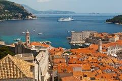 Panorama de Dubrovnik de las paredes de la ciudad Foto de archivo libre de regalías