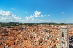 Panorama de Florença velha e da igreja St Mary da flor imagens de stock royalty free