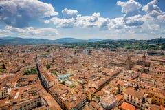 Panorama de Florença velha e da igreja St Mary da flor imagem de stock