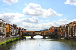 Panorama de Florencia con el puente viejo Foto de archivo