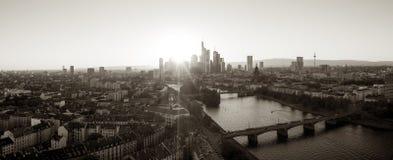 Panorama de Francfort en colores monocromáticos Fotos de archivo