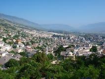 Panorama de Gjirokastra, Albanie Photographie stock