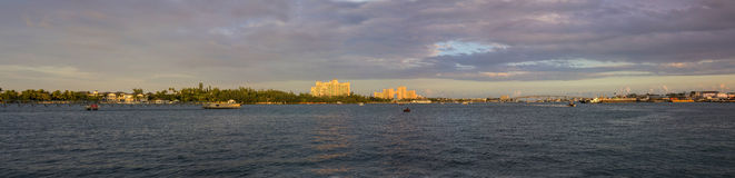 panorama de 180 grados de Nassau, Bahamas Imagen de archivo libre de regalías