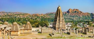 Panorama de Hampi, vista del templo de Virupaksha foto de archivo libre de regalías