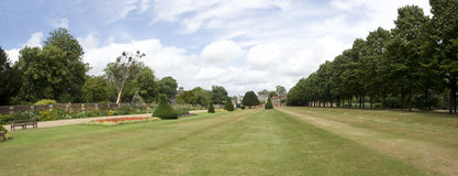 Panorama de Hampton Court Photographie stock libre de droits