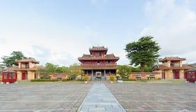 Panorama de Hien Lam Pavilion e 9 Dings Foto de Stock