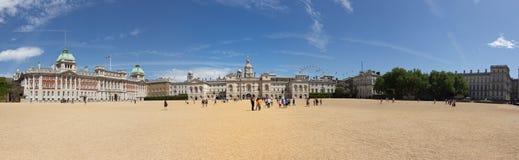 Panorama de l'au sol de défilé royal de gardes de cheval Images stock