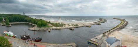 Panorama de l'entrée au port dans l'obrzeg de 'de KoÅ Photos libres de droits