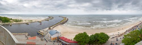 Panorama de l'entrée au port dans l'obrzeg de 'de KoÅ Image stock