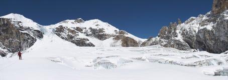 panorama de l'Himalaya de glacier de crevasses Photos stock