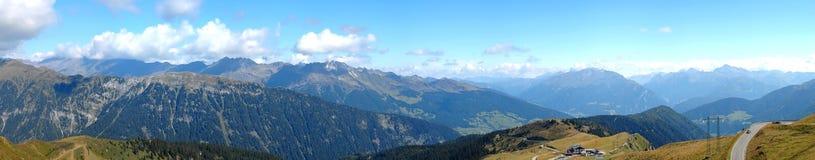 Panorama de la alta altitud de las montan@as Imágenes de archivo libres de regalías
