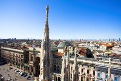 Panorama de la azotea del Duomo, Milano, Italia Imágenes de archivo libres de regalías