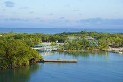 Panorama de la bahía de caoba en Roatan, Honduras Imagen de archivo