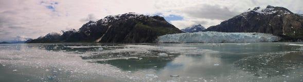 Panorama de la bahía de glaciar Imagenes de archivo