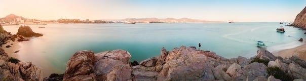 Panorama de la bahía en Cabo San Lucas imagenes de archivo